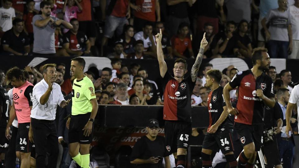 Superliga: San Lorenzo cayó en el Parque Independencia
