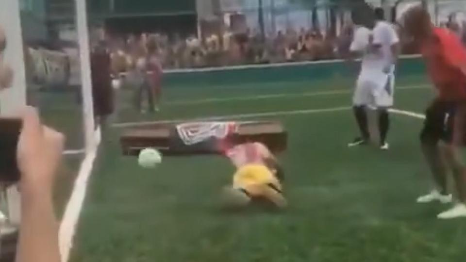Brasil: lo mató la policía y sus amigos lo homenajearon con un gol post mortem