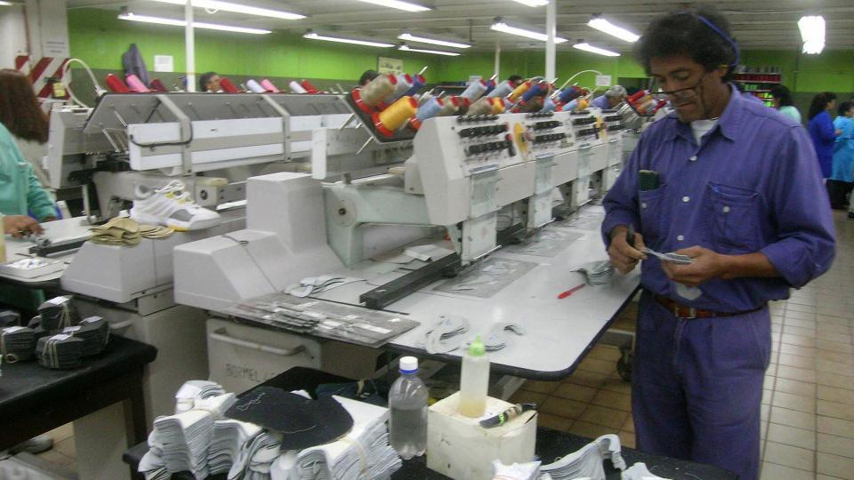 La venta de tres plantas y una desmontadora de algodón de Alpargatas fue por 14 millones de dólares.