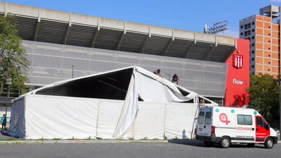 Estudiantes cedió sus instalaciones para armar un centro de atención sanitaria