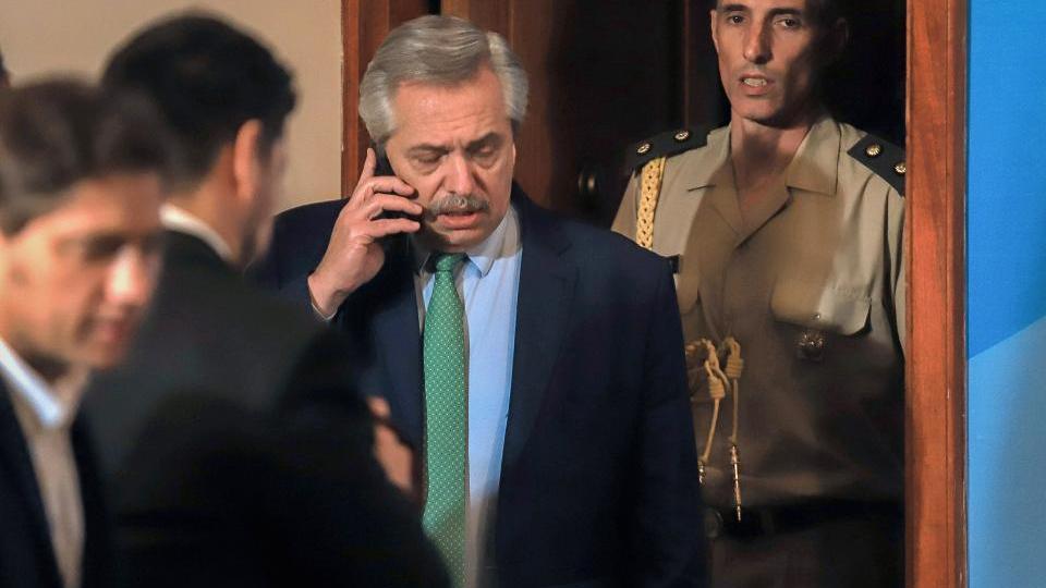 Alberto Fernández publicó el decreto sobre la exten...  | Página12