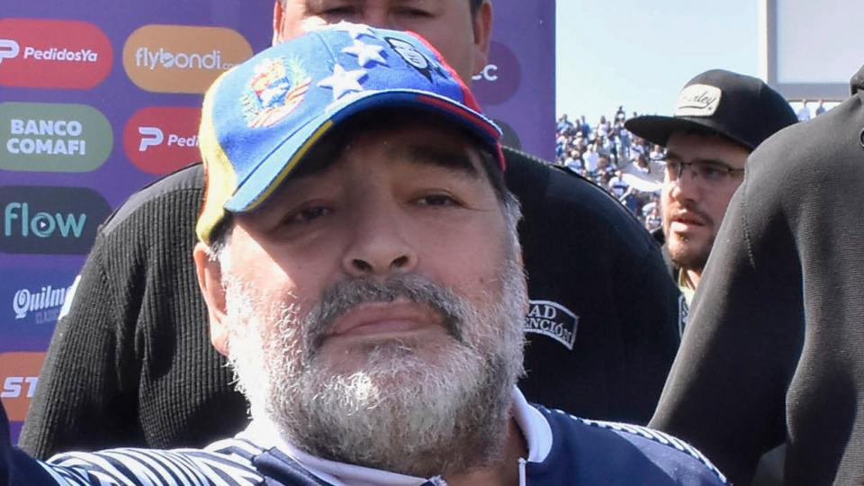 Gimnasia y Maradona negocian a futuro