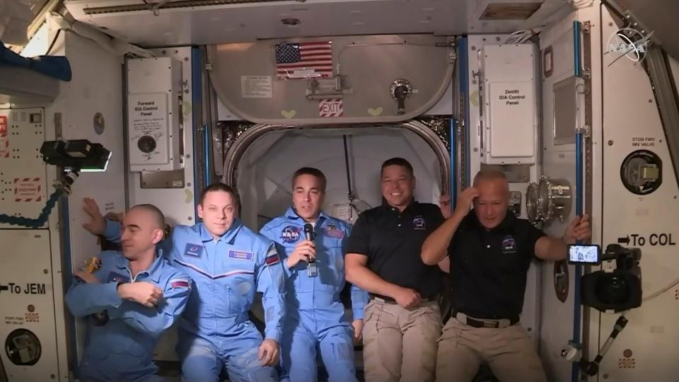 La nave de SpaceX se acopló con éxito a la Estación...  | Página12