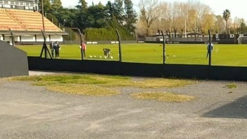 Deportivo Riestra podría recibir una dura sanción |...  | Página12
