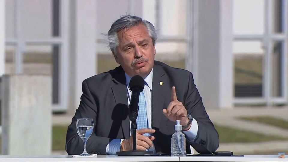 Alberto Fernández encabezó un acto de entrega de viviendas y créditos para la construcción en el partido bonaerense de Merlo.