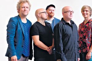 El grupo acaba de publicar su duodécimo disco, bajo el engañoso título Six Easy Pieces.
