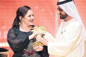 Andria Zafirakou, al recibir el premio en el Hotel Atlantis de Dubai.