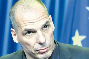 """""""Apoyan a un derechoso extremo"""", reprochó Varoufakis el acuerdo con el FMI."""