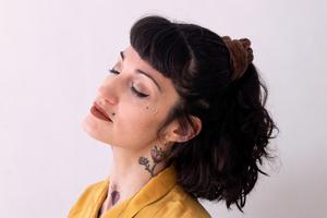 Mel Muñiz ya adelantó tres canciones de su álbum, en el que mezcla rumba, vals, bolero, guaracha, son, vallenato y swing. (Fuente: Sofía Etcheverry)