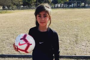 Martina Raspo, tiene 9 años y quiere poder jugar en la Liga San Francisco.