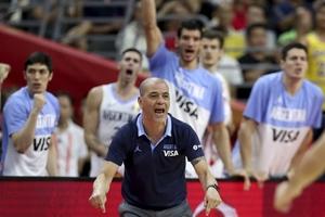 Oveja Hernández, con la Selección en el Mudial China, hace un año. (Fuente: prensa CABB)
