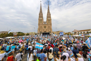Este año no se verán las tradicionales multitudes frente a la Basílica de Luján. (Fuente: NA)