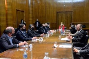 Guzmán y Kulfas junto a empresarios y sindicalistas del sector