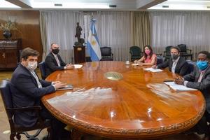 La delegación del FMI en el Ministerio de Economía. Fue recibida por el ministro Martín Guzmán y el representante argentino ante el FMI Sergio Chodos.
