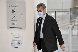 El ex presidente entrando al tribunal que lo juzga. (Fuente: AFP)