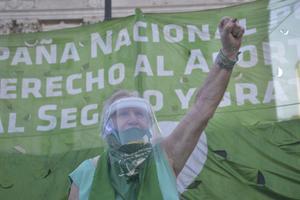 Nina Brugo se sentía como una astronauta pero pudo palpitar la calle el martes 29. (Fuente: Constanza Niscovolos)