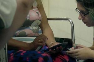 Este martes se verá el documental Línea 137, de Lucía Vasallo, sobre la asistencia a mujeres víctimas de violencia.