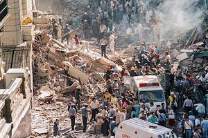 La embajada de Israel lanzó una campaña de homenaje a los muertos en el atentado que sufrió la sede diplomática en 1992. (Fuente: NA)