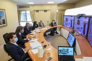 Alberto Fernández encabeza una reunión por zoom con todos los gobernadores desde la Quinta de Olivos.