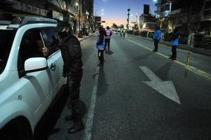 """El secretario de Seguridad, Eduardo Villalba, advirtió que """"si hay incumplimientos"""" a las restricciones en la circulación, las fuerzas de seguridad """"van a retener vehículos y hacer actas y van a dar curso a una causa penal""""."""