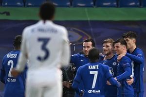 Los jugadores del Chelsea festejan un gol (Fuente: AFP)