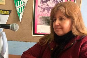 Rosa Razuri, la docente y ex candidata del PRO que enseña que el virus del coronavirus no existe.