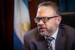 """""""Es una buena oportunidad para nosotros exportar más, pero siempre cuidando la mesa de los argentinos"""", dijo el ministro de Producción"""