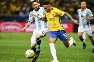 Lionel Messi y Neymar, en el duelo de las Eliminatorias rumbo a Rusia 2018 (Fuente: AFP)