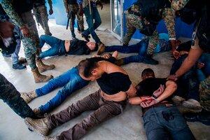 Seis de los sospechosos capturados esta semana en Haití. (Fuente: EFE)