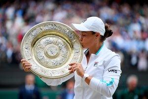 Barty con el trofeo de campeona (Fuente: EFE)