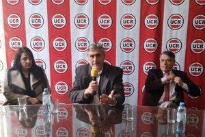 Tusnelda Rodríguez, Bernardo Solá y Rubén Correa.