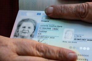 Primer pasaporte para persona transexual en los Países Bajos. (Fuente: AFP)