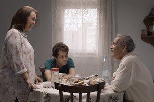 El matrimonio de clase media integrado por Reyadh y Nazli parece depositar la vida entera en manos de su hijo Sami.