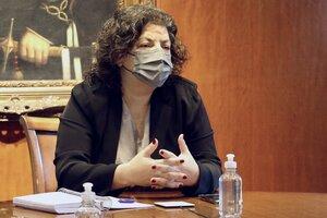 """Vizzotti dijo que las aperturas """"van a poder sostenerse mientras avance la vacunación y se sostengan algunos cuidados"""". (Fuente: NA)"""