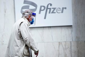 La inoculación con una tercera dosis se centrará en los trabajadores de la salud, los residentes de hogares de ancianos y las personas mayores. (Fuente: AFP)