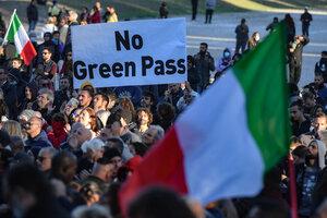 Protesta contra el Pase Verde este viernes en el Circo Máximo de Roma. (Fuente: AFP)