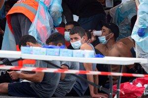 Inmigrantes africanos llegan a Gran Canaria. (Fuente: EFE)