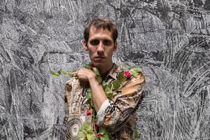 Fradi sigue catando formas de expresión con un simple adelanto de su tercer disco y un reciente libro de poemas de bolsillo. (Fuente: Cecilia Salas)