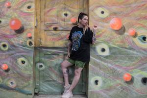"""Con el tema """"Lobas"""", Vaio Flow consagró su música a la sororidad. Y tiene listo un nuevo EP de contenido comprometido. (Fuente: Cecilia Salas)"""
