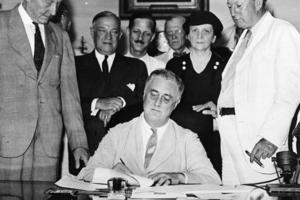 La salida de la crisis del '30 del siglo pasado en Estados Unidos fue con el New Deal (Nuevo Trato) impulsado por el presidente Franklin Delano Roosevelt.