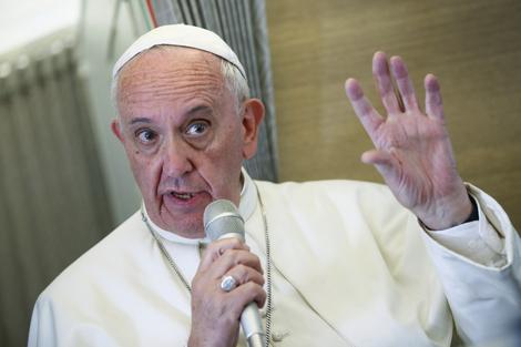 """""""Es frecuente acusar de populistas a todos los que defiendan los derechos de los más débiles de la sociedad"""", escribió el Papa Francisco en la encíclica""""Fratelli tutti"""". (Fuente: AFP)"""