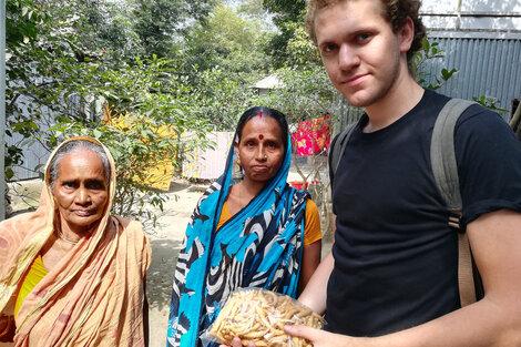 Mateo Bartolini trabajó en Bangladesh con Yunus y hoy otorga microcréditos y capacita en finanzas a los sectores de menores recursos desde el Fondo Nacional de Capital Social.