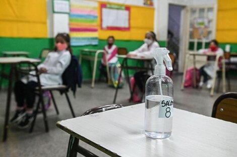 Los alumnos concurren bajo normas de seguridad para evitar contagios. (Fuente: Télam)