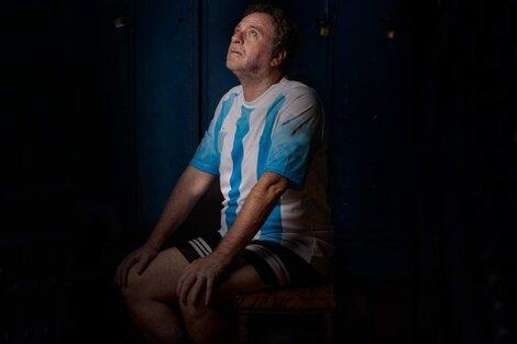 Julio Feld es el intérprete de esta tragicomedia que se desarrolla en un vestuario.