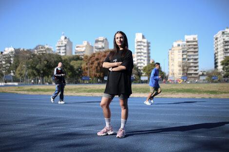 Nemesia Hijós, autora del recién publicado Runners, una etnografía en una plataforma de entrenamiento de Nike. (Fuente: Jose Nico)