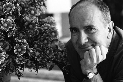 Puig es también el sujeto del último número de la revista Caras y Caretas.