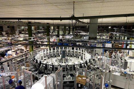 Tecnología de punta en la línea calzados de la planta Catamarca. (Fuente: Catamarca/12)