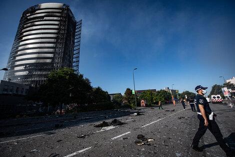 El edificio de 20 pisos que se incendió en Milán. (Fuente: DPA)