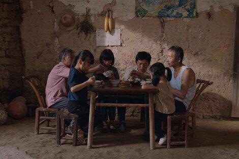 """Li Dongmeitrabaja bajo los designios del """"tableau vivant"""" reinventado."""