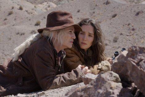 """Mercedes Morán y Natalia Oreiro en la cuyana """"Las rojas"""", dirigida por Matías Lucchessi."""